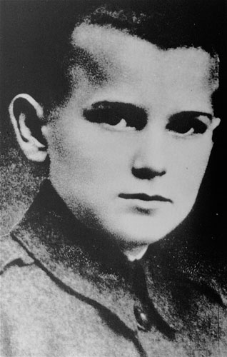 Karol Wojtyla, the future Pope John Paul II, is seen at the age of 12 in Wadowice, Poland.  <span class=meta>(&#40;AP Photo&#41;)</span>